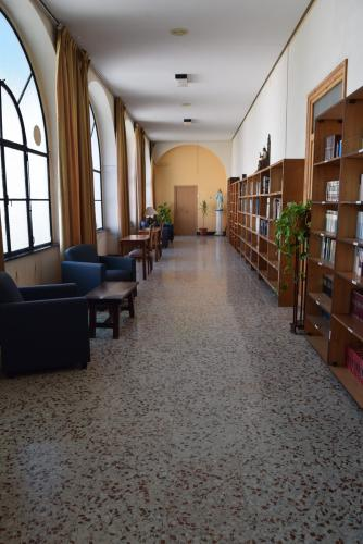 Biblioteca / Sala de lectura - Vista 1